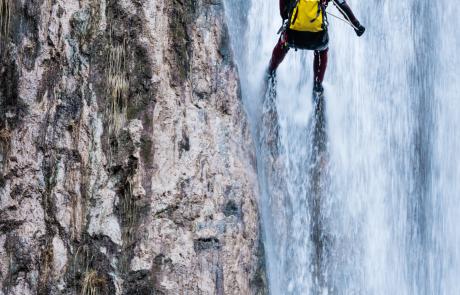 Barranquismo en una cascada